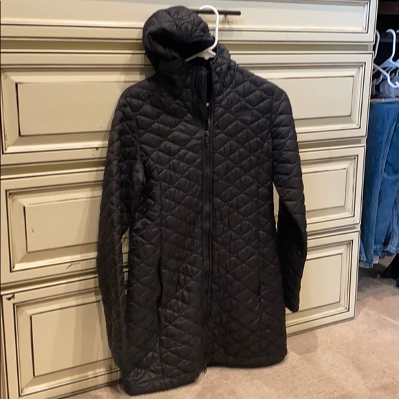Quilted hooded north face jacket